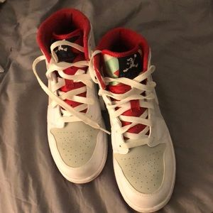 Limited edition Youth 6.5 women's 8 HARE Jordan 1s